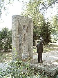 Kosztolányi Dezső sír.jpg