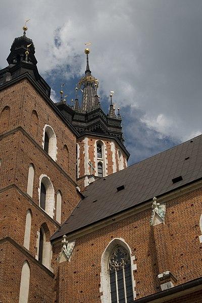 http://upload.wikimedia.org/wikipedia/commons/thumb/9/92/Krakowtowertrumpeteralpha.jpg/400px-Krakowtowertrumpeteralpha.jpg
