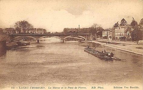 L2008 - Lagny-sur-Marne - Pont de Pierre.jpg