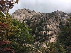 Landscape in Seoraksan National Park 1.jpg