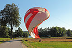 Landung eines Heißluftballons 2013-08.jpg