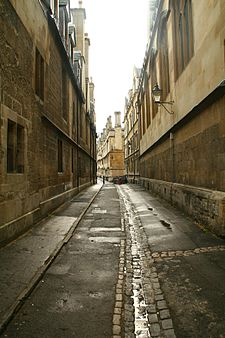 Lane in Oxford.jpg
