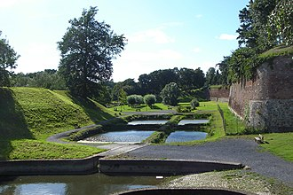 Siege of Le Quesnoy (1793) - Image: Le Quesnoy remparts 01