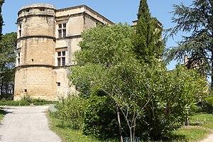 Château de Lourmarin - Lourmarin Castle from the west