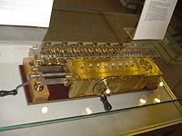 Leibnitzrechenmaschine.jpg