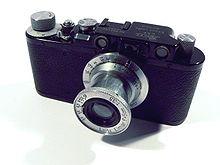 http://upload.wikimedia.org/wikipedia/commons/thumb/9/92/Leica-II-p1030003.jpg/220px-Leica-II-p1030003.jpg