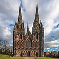 Lichfield Cathedral West Face 2011-02-03.jpg