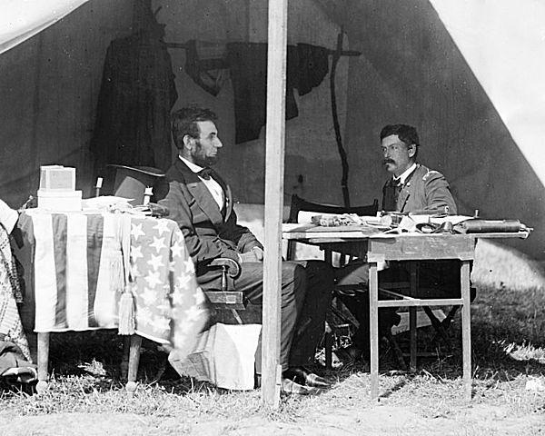 Линкольн и генерал Джордж Маклеллан 10 марта 1862 года