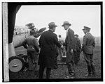 Lindberg at Bolly (i.e., Bolling) Field LCCN2016843402.jpg
