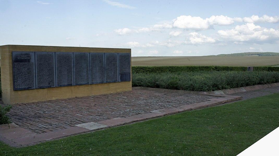 A Loivre un cimetière pour les soldats allemands.