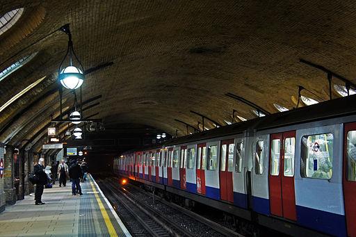 London 01 2013 Baker Street station 5371