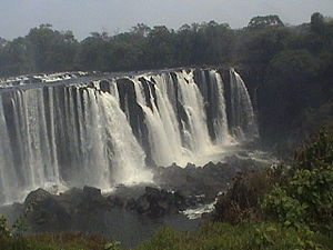 Luapula Province - Image: Lumangwe falls on the Kalungwishi river during the dry season(September October)
