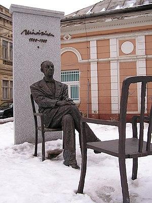 Sándor Márai - Image: Márai socha 1