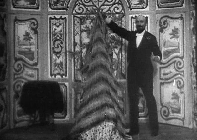 Méliès, Escamotage d'une dame chez Robert-Houdin (Star Film 70, 1896)
