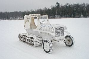 M7 Snow Tractor - Image: M7 Snow Tractor right