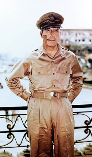 English: General of the Army Douglas MacArthur...