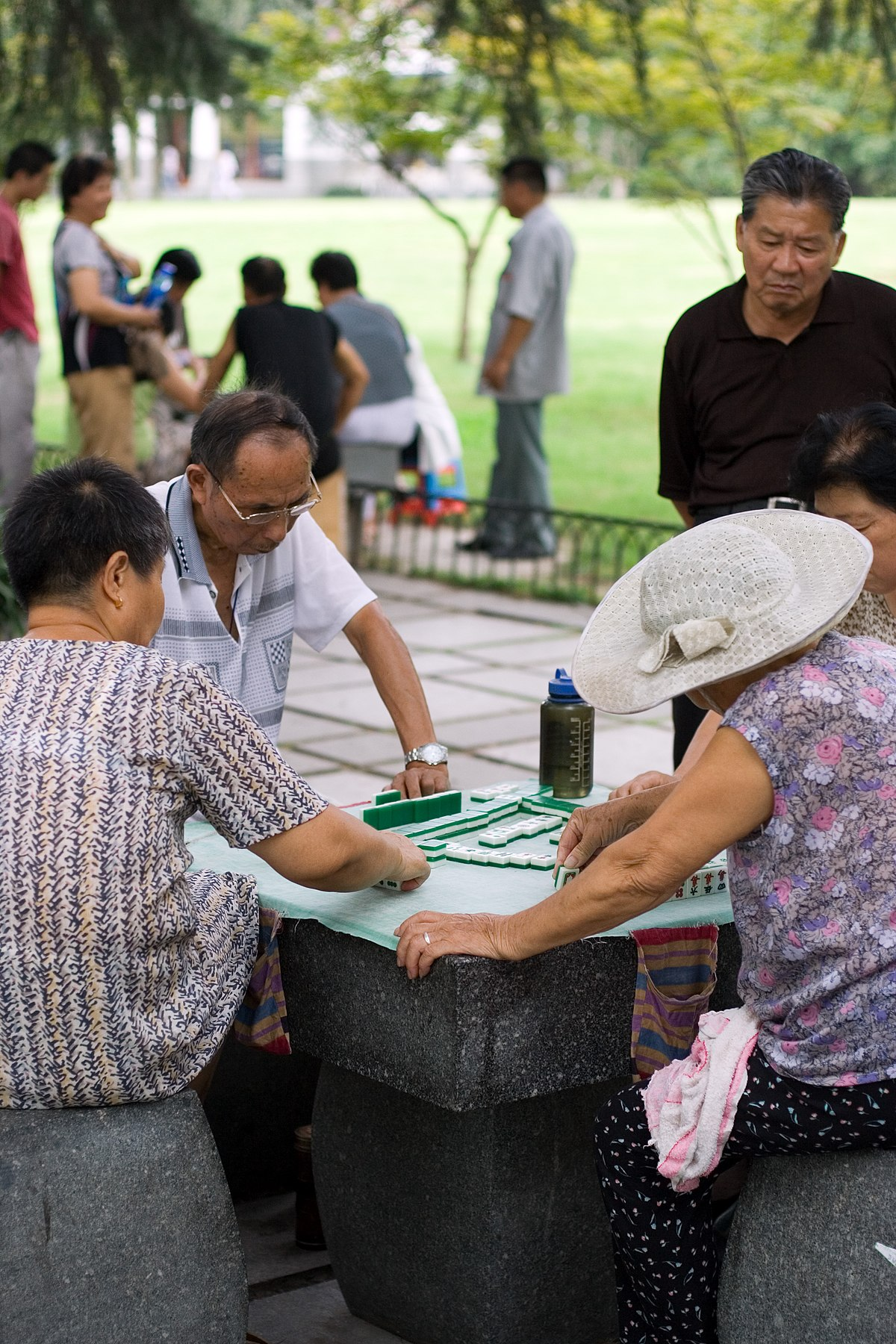 chinese mahjong Look for matching pairs of tiles from the end lines of the pyramids on a background of chinese photos pakua mahjong solitaire game online.