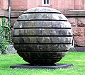 Mannheim Kunsthalle Skulpturengarten Nash Large Sphere.jpg