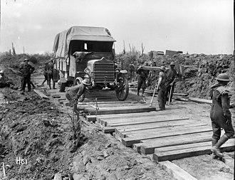 New Zealand (Māori) Pioneer Battalion - Men of the battalion constructing a road, 1917–18