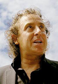 Marco Borsato (2007) crop - 4.jpg