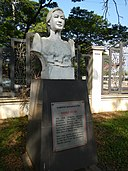 Maria Orosa bust and plaque at the Historical Park.jpg