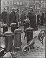 Markten, verwarmingsapparaten, Waterlooplein, Bestanddeelnr 072-1109.jpg