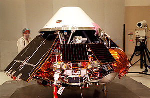 Mars Surveyor '98 program - The Polar Lander under construction in the NASA lab