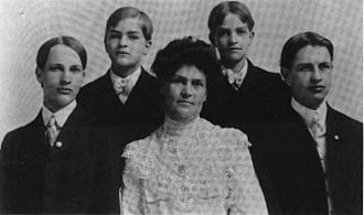 Harry Neal Baum - Maud Gage Baum and her four sons, Robert, Harry, Kenneth, and Frank, 1900
