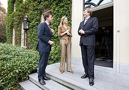 https://upload.wikimedia.org/wikipedia/commons/thumb/9/92/Maxima_Willem-Alexander_Mark_Rutte.jpg/266px-Maxima_Willem-Alexander_Mark_Rutte.jpg