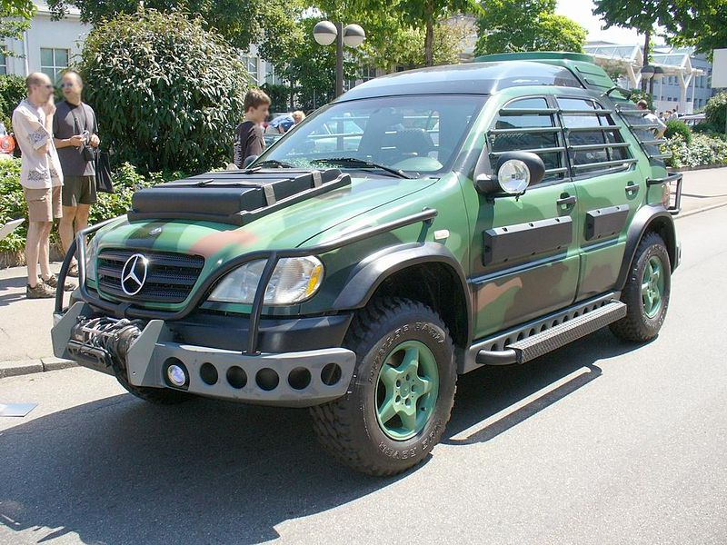 Jurassic World Mercedes Benz Movie Props