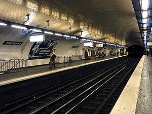 Stalingrad (Paris Métro) - Image: Metro de Paris Ligne 7 Stalingrad 01