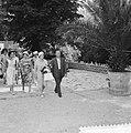 Mevrouw Ben Goerion op Floriade, tijdens de rongang in het Rosarium, Bestanddeelnr 911-3606.jpg