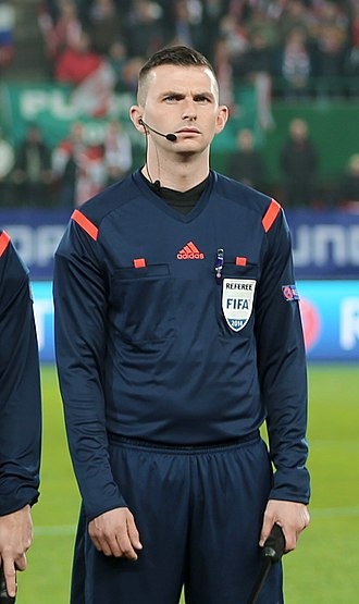 Michael Oliver (referee) - Oliver in a match at Vienna in 2014
