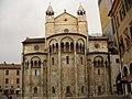 Modena - back of the Duomo - panoramio.jpg