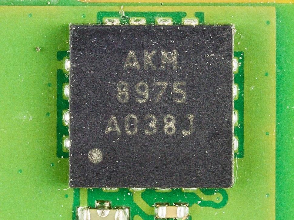Motorola Xoom - AKM Semiconductor AKM8975-1693