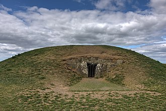 """Hill of Tara - The """"Mound of the Hostages"""""""