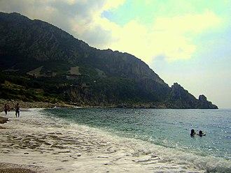 Syria–Turkey border - Karadouran / al-Samara beach near Kessab, Syria, along the Syrian-Turkish borderline, where Mount Dyunag ends up in the Mediterranean Sea