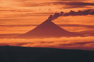 Mount Shishaldin - Image: Mount Shishaldin at sunset