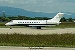 N711LS Bombardier BD-700-1A10 Global 6000 GLEX (27705577145).jpg