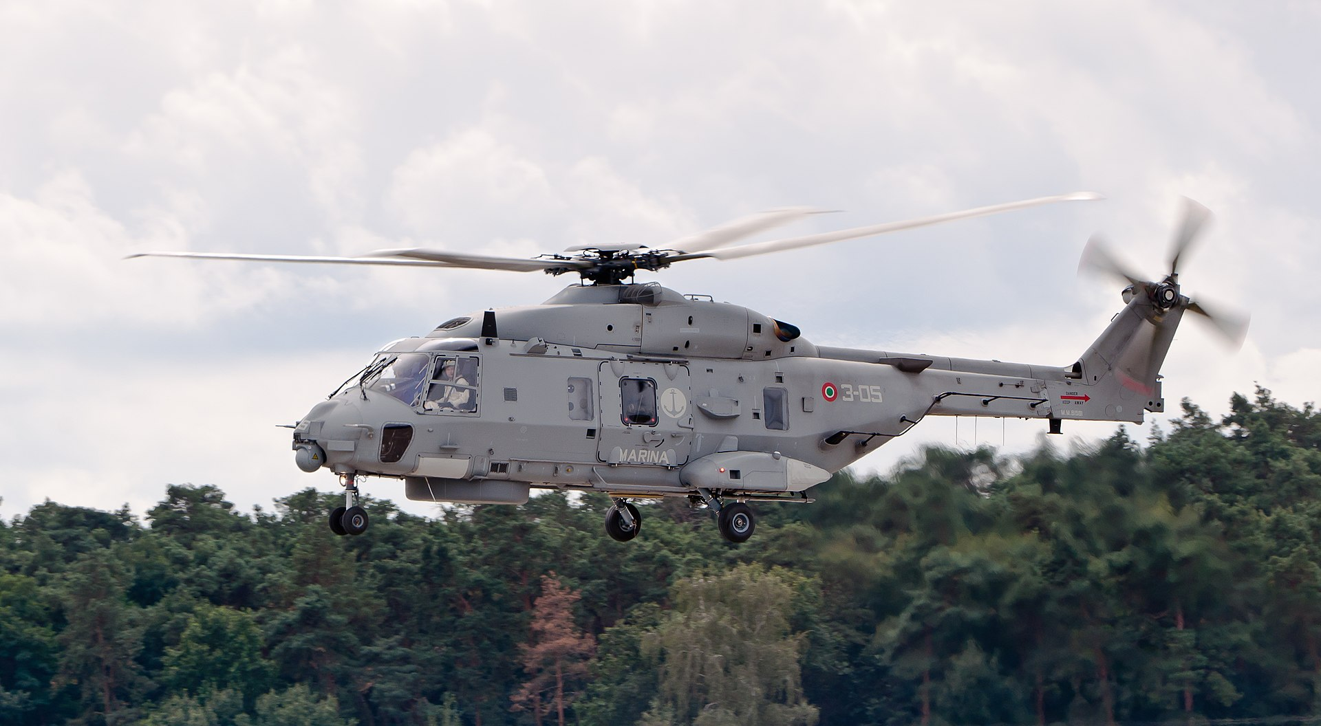 NHIndustries NH-90 NFH MM81581 ILA 2012 01.jpg