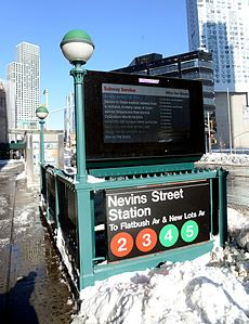 New York City Transit After Blizzard (23960330783).jpg