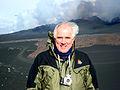 Nordiska ministerradets generalsekreterare Halldor Asgrimsson vid vulkanutbrottet pa glaciaren Eyjafjallajokull pa Island.jpg
