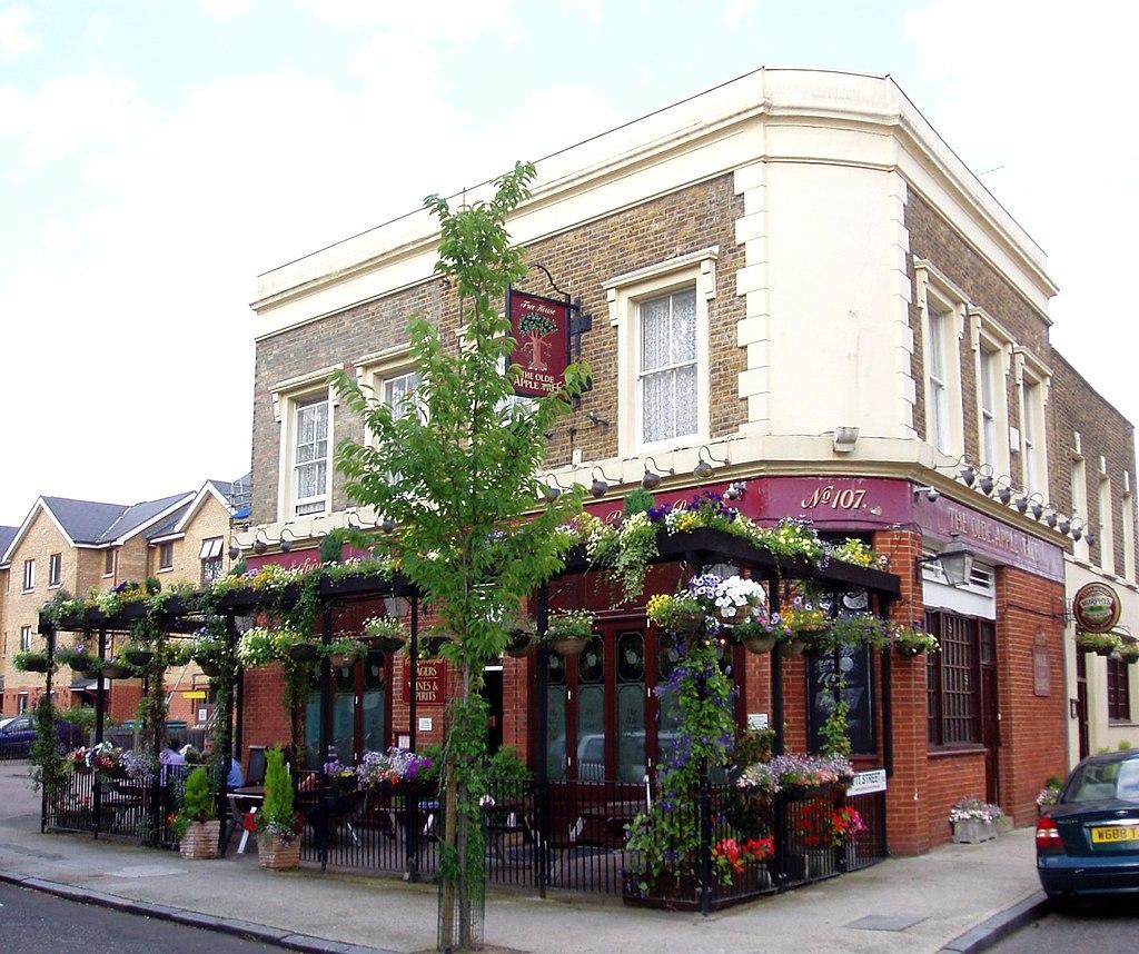 Olde Apple Tree, Peckham, SE15 (2619042356)