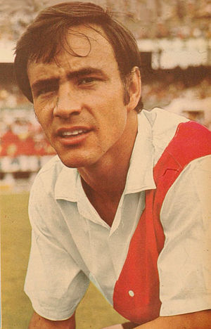 Oscar Más - Mas in 1969, during his first run on River Plate.