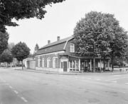 Overzicht met situering in straatbeeld - Deurne - 20335125 - RCE.jpg
