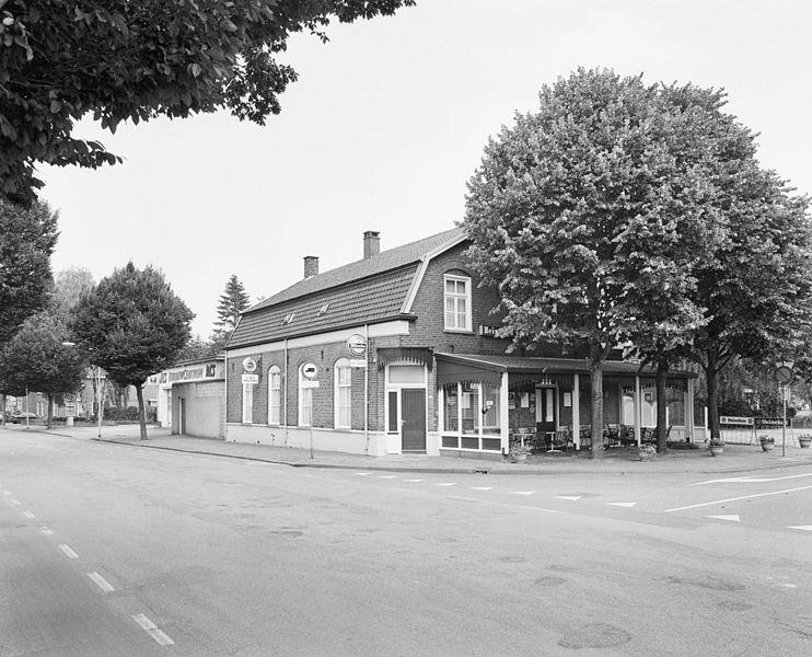 Bestand:Overzicht met situering in straatbeeld - Deurne - 20335125 - RCE.jpg