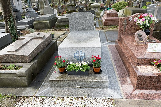 category grave of bonnefoy p 232 re lachaise division 95 wikimedia commons