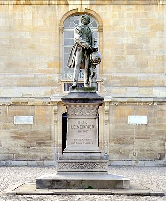 Urbain Le Verrier - Statue of LeVerrier at the Paris Observatory