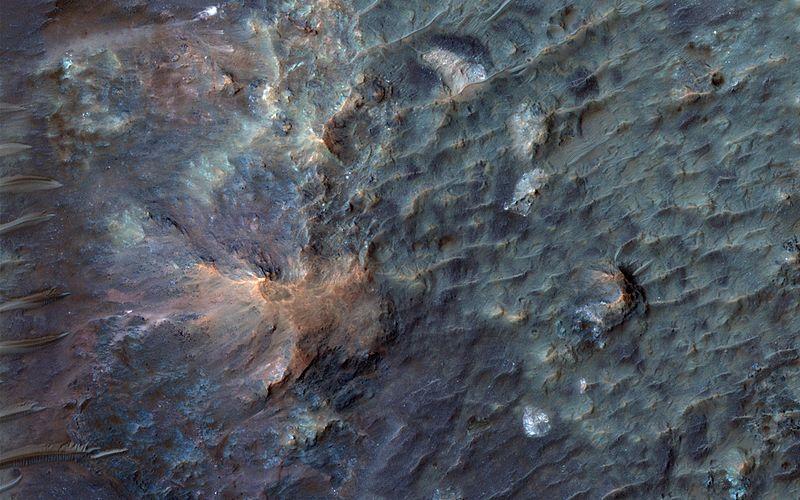 File:PIA14453 - Soffen Crater Floor.jpg