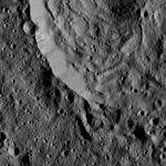 PIA20391-Ceres-DwarfPlanet-Dawn-4thMapOrbit-LAMO-image37-20160106.jpg